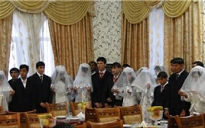 مراسم ازدواج ۸۰ زوج تاجیک تحت پوشش کمیته امداد امام خمینی(ره)+تصاویر