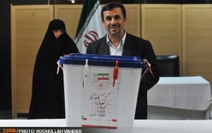 سنتشکنی احمدینژاد در رای دادن!